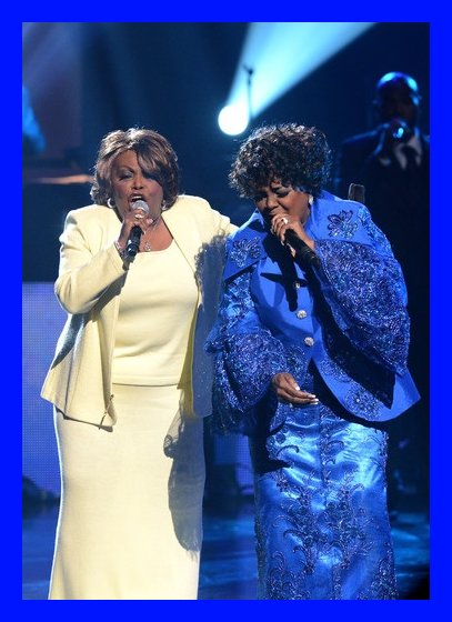"""Dorothy Norwood and Shirley Caesar singing """"Mary Don't You Weep"""" in tribute to their Caravans sister, Inez Andrews"""