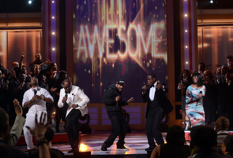 """Singers Isaac Carree, Canton Jones, Da T.R.U.T.H., Charles Jenkins and Jessica Reedy perform """"Awesome"""""""