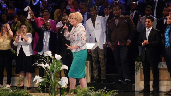 Carol Cymbala talks to a crowd of 3,000 concert attendees at Brooklyn Tabernacle
