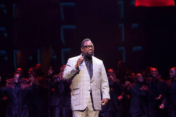 """Hezekiah Walker singing his #1 Billboard hit """"every Praise"""""""