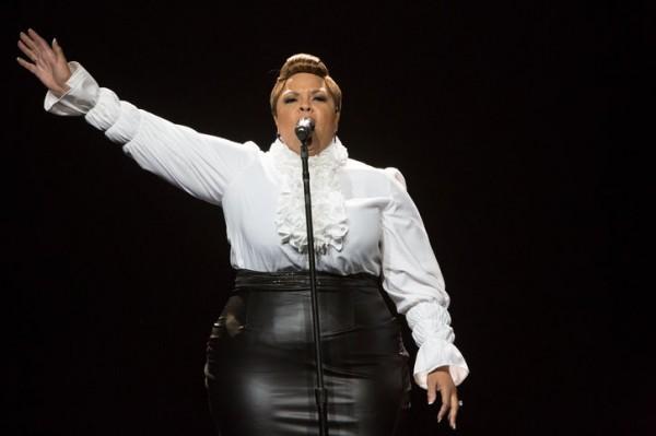 """HSTS Judge, Tamela Mann, singing her smash hit """"Take Me To The King"""""""