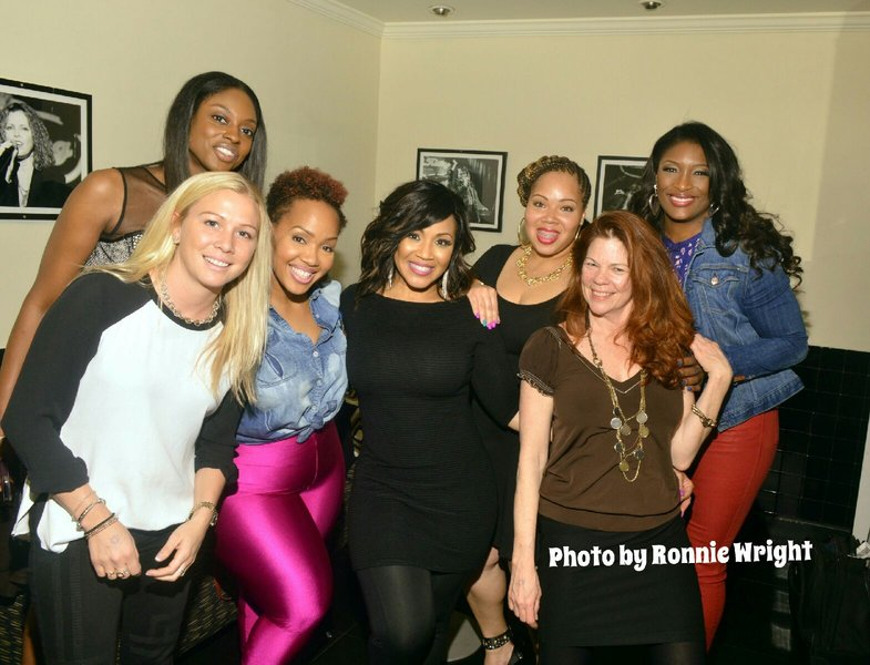 Erica, Taj George (SWV), Goo Goo Atkins, Shanta Atkins and the rest of the crew backstage. Photo Credit: Ronnie Wright